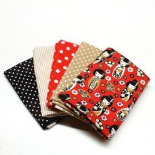 Pack of 5 100% Cotton Japanese Doll Print with 4 Fat Quarters